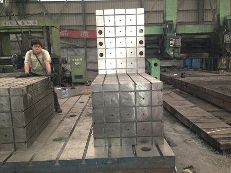 异型铸铁垫箱